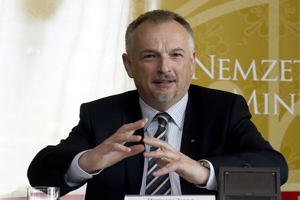 Leaked documents expose Hungarian oil company CEO's controversial role in an EU programme
